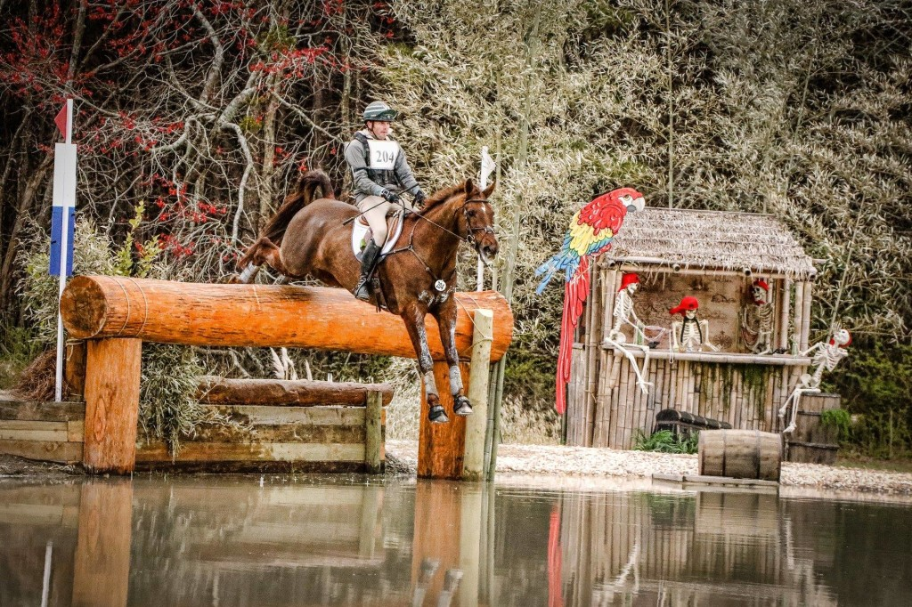 Eventers – why pace adjustability helps with safe cross country riding